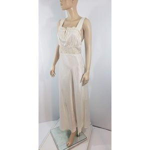 Womens Satiny Feeling Classic Lace Nightgown Sz M